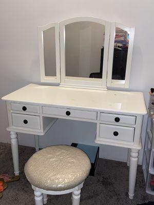Makeup vanity for Sale in Jonesboro, GA