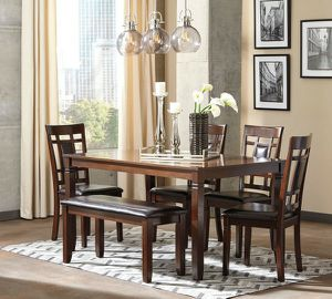 Bennox - brown dining room table set 6 count for Sale in Orlando, FL