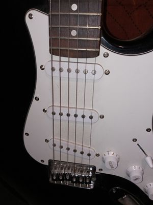 Guitar, eletric for Sale in Lake Elsinore, CA