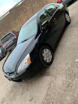 AMAZING!!!! 2004 Honda Accord 4 doors for Sale in Oak Lawn, IL