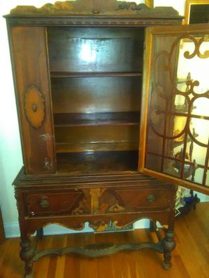 Antique China Cabinet for Sale in Raleigh, NC