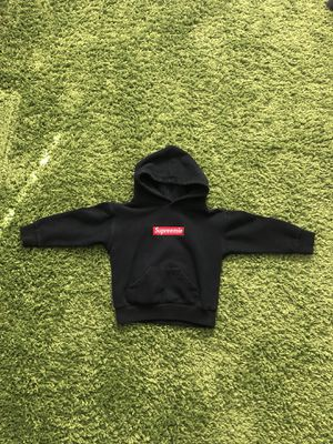 Little Giants Supreemie (Supreme) Box Logo Hoodie Size 4t for Sale in Orlando, FL