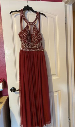 Maroon prom dress for Sale in San Antonio, TX