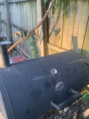 Char griller FREE for Sale in Des Moines, IA