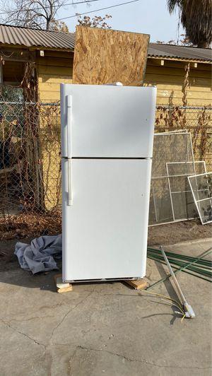 Kenmore Fridge & Freezer for Sale in Fresno, CA