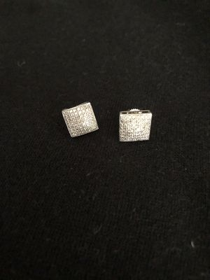 Diamond earrings screw in back for Sale in Murfreesboro, TN