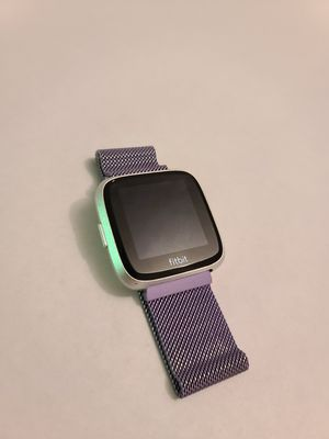 Fitbit Versa Lite: Fitness Smart Watch w/charger for Sale in Aurora, CO