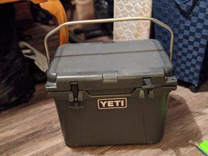 Yeti roadie cooler for Sale in Riverside, CA
