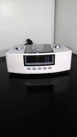 AM/FM alarm clock radio for Sale in Avondale, AZ