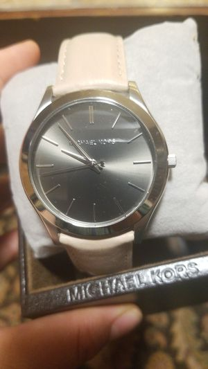 MICHAEL KORS LEATHER WATCH for Sale in Fairfax, VA