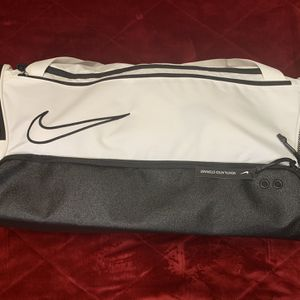 Nike Elite Basketball Duffle Bag for Sale in Washington, PA