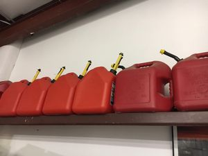 5 gallon gas cans for Sale in Grand Junction, CO