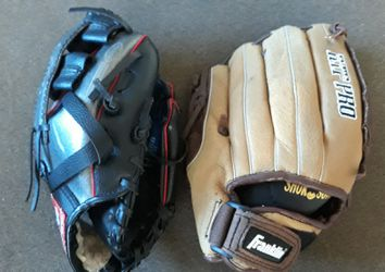 Rawlings 9 inch, Franklin 10 inch Softball gloves for Sale in Laurel,  MD