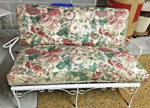 "Vintage Metal Outdoor Furniture Loveseat with Cushions 44""L x 22""D x 28.5""h x 13""h Great Condition! for Sale in Conshohocken, PA"