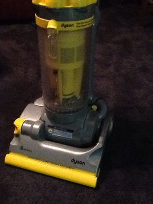 Dyson Cyclone vacuum for Sale in Holland, PA