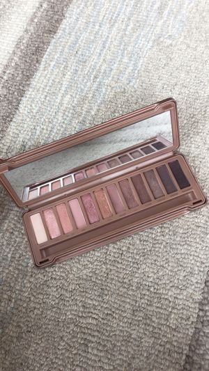 Naked 3 eyeshadow palette for Sale in Chicago, IL