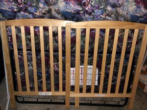 Wooden Crib for Sale in Painesville, OH