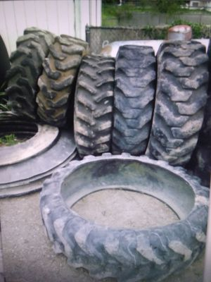 Tractor tire flower garden flower bed tyre planter sandbox playground tire exercise workout training Creative Landscaping Pond wishing well for Sale in San Antonio, TX