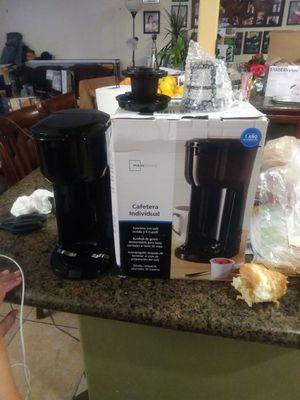 MAINSTAYS SINGLE SERVE COFFEE MAKER for Sale in Fontana, CA