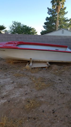 Small boat for sale! Make offer. Must tow, no delivery. for Sale in Las Vegas, NV