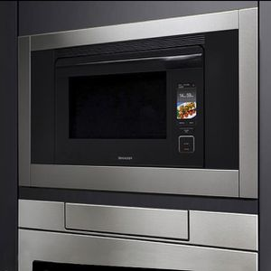 SUPERSTEAM+ SUPER-HEATED STEAM AND CONVECTION BUILT-IN WALL OVEN for Sale in Clarendon Hills, IL
