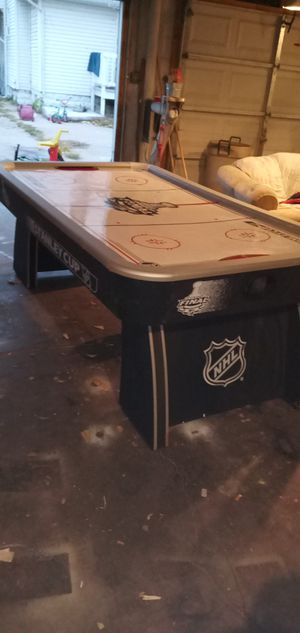 80 in NHL STANLEY CUP AIR HOCKEY TABLE for Sale in Wichita, KS