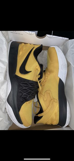 Nike Kyrie low for Sale in Strongsville, OH