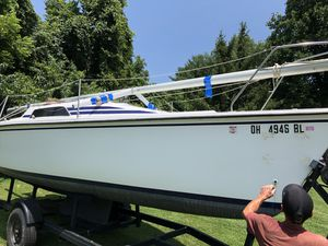 23' Hunter Day Sailer sail boat for Sale in Lewis Center, OH