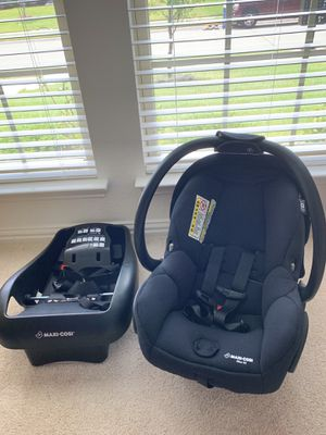 Maxi Cosi Infant Car Seat With Base for Sale in Red Oak, TX