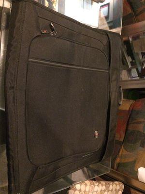 Nice Swiss army garment bag for Sale in Miami, FL
