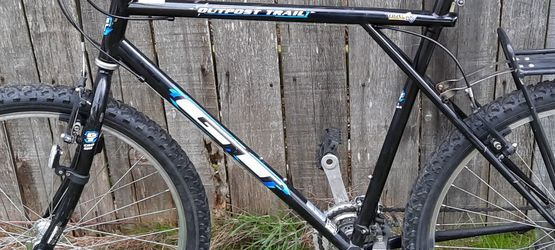 GT Mountain Bike for Sale in Edmonds,  WA