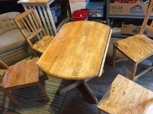 Table and chairs for Sale in Virginia Beach, VA