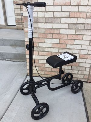 Knee rover (price firm) for Sale in Downers Grove, IL
