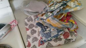 Apron, table mats n other kitchen fabric stuff for Sale in Lake Wales, FL
