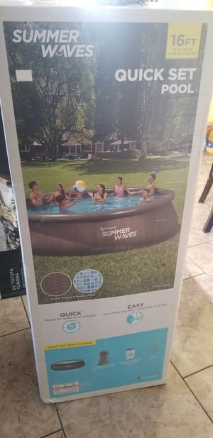 16ftx42in family pool new in box for Sale in Highland, CA