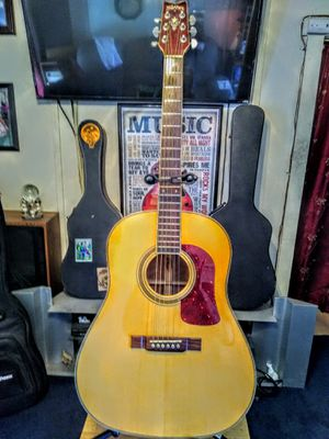 Washburn Acoustic Guitar for Sale in Los Angeles, CA