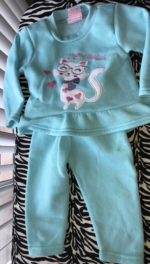 Girls Fleece Pant Set for Sale in Detroit, MI