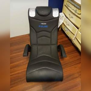 Rocker Pulse Gaming Chair for Sale in Windsor, PA