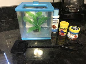 Resistant Acrylic Aquarium Cube Tank with accessories and food for Sale in Revere, MA