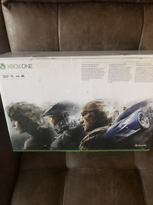 Xbox 1 500gb with turtle beach headset for Sale in Smithtown, NY