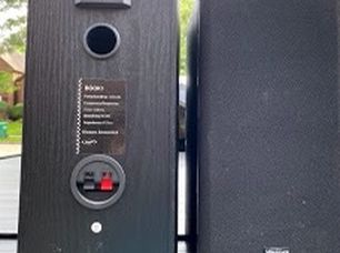 Vinson Bookcase Speakers for Sale in Sugar Land,  TX