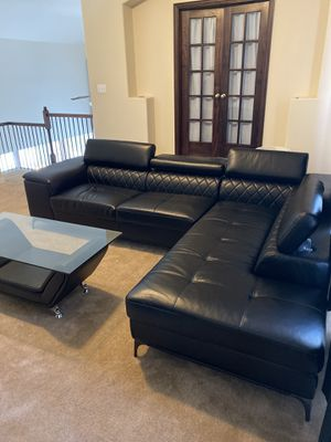 Sectional Couch (Brand New)!! With Table for Sale in Grand Prairie, TX