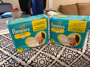 Pampers diapers size N (newborn) for Sale in Oceanside, NY