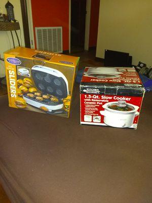 New Sliders original price $38 and new 1.5 slow cooker price firm hablo español for Sale in Phoenix, AZ