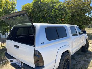 Trade Toyota Tacoma snug top camper for Sale in San Juan Bautista, CA
