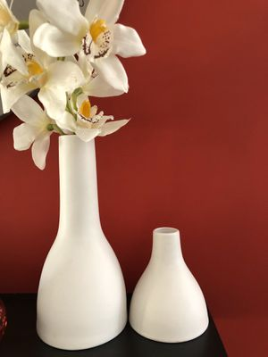 Sold as a set two vases white matte vase with orchid flower stem ikea for Sale in Santa Fe Springs, CA