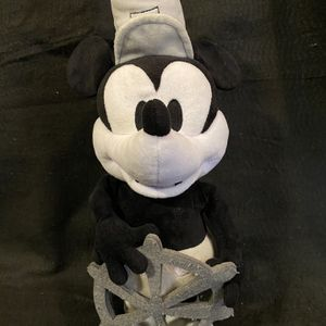 Mickey Mouse for Sale in Hesperia, CA