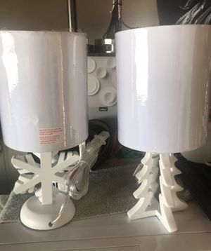 $28 /// BRAND NEW SET 2 SMALL WOOD BASE XMAS LAMPS for Sale in Bloomington, CA