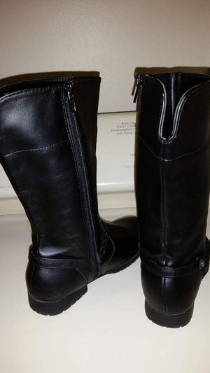 Girls black Faded Glory zip-up boots size 2 excellent condition for Sale in Largo, FL