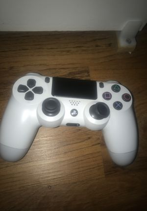 PS4 Controller( FOR PARTS) for Sale in Fresno, CA